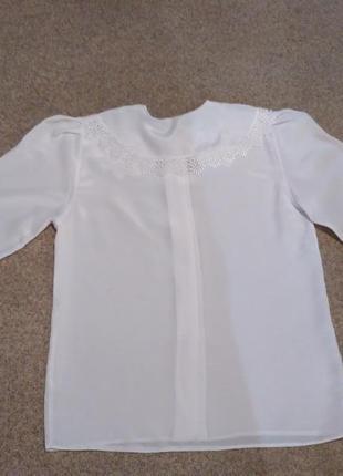 Блуза белая нарядная для школы.