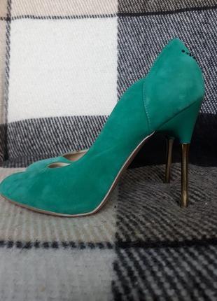 Туфлі лодочки  by natalia vodianova