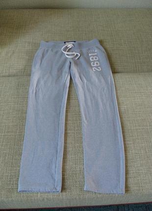 Спортивные брюки из приятной к телу ткани