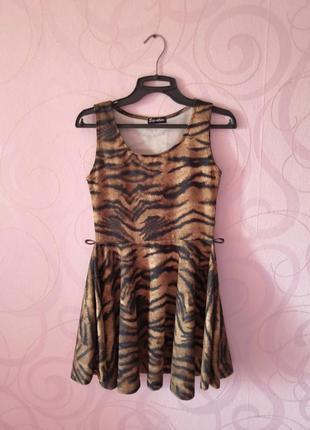 Платье с анималистичным принтом, платье с пышной юбкой,короткое платье на новый год
