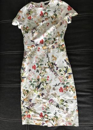 Красивое женственное платье миди