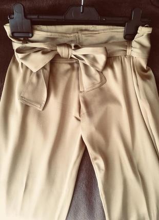 Шелковые брюки gucci оригинал песочно золотые с шелковым поясом