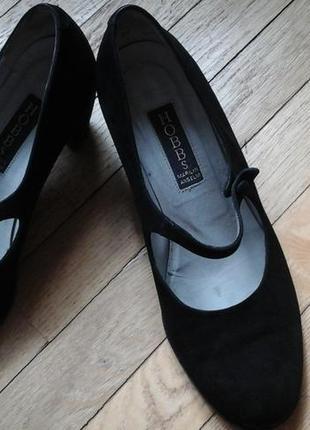 Замшевые туфли фирмы hobbs