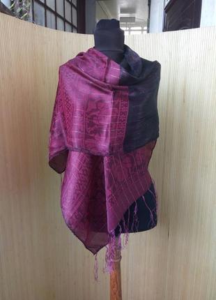 Роскошный бордовый шелковый шарф / палантин с бахромой