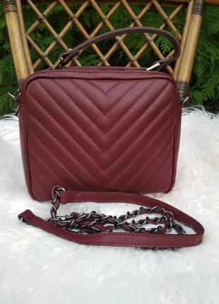 Итальянская кожаная сумочка-кроссбоди с ручкой. бордовая