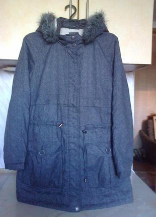Новая фирменая теплая куртка, приталеная, єко бренд, в сост модал