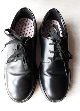 Туфли школьные  кожаные marks & spencer размер 37