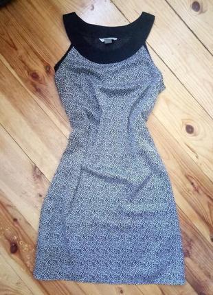 Стильна сукня прямого покрою