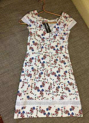 Новое льняное платье с биркой 38 размер