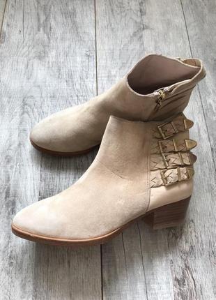 Ботинки на низком кожа 38