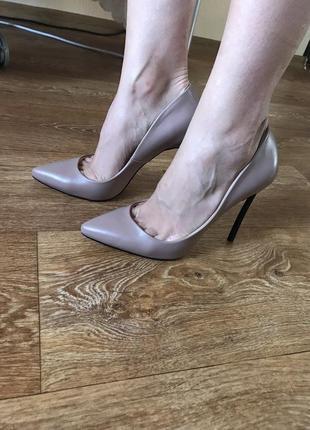 Нюдовые туфли лодочки casadei