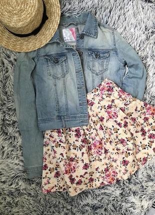 Яркая летняя юбка в цветы