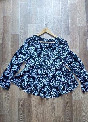 Стильная шифоновая блуза с воланами
