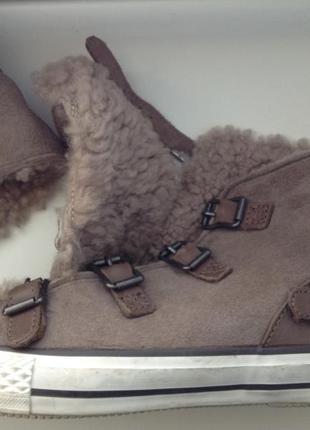 Ботинки кеды ash из овчины. нюдовый.39(25 см). кожа( мех овчины)100%
