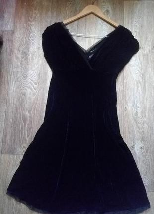 Элегантное вильветовое платье миди
