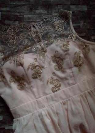 Шикарное платье с вышивкой золотой нитью😍😚