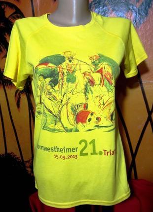 Спортивная клубная футболка от немецкого бренда hanes (бангладеш)