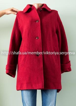 Красивое шерстяное английское пальто оверсайз бордового цвета