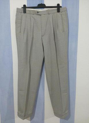 Якісні класичні брюки з манжетом