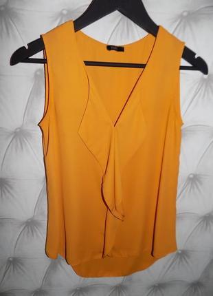 Стильная блуза модного цвета
