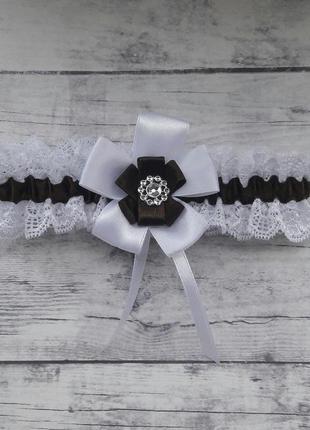 Подвязка на ножку для невесты бело-коричневая