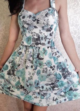Мятное платье cameo rose