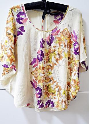 Очень красивая из 100% шелка блуза в цветочный принт фирмы warehouse silk