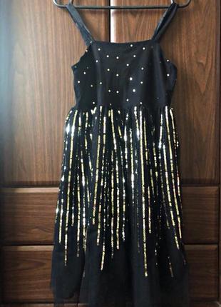 Платье с фатиновой юбкой и блестками