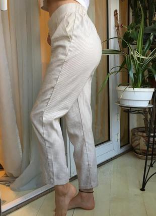 Нереальные брюки stradivarius