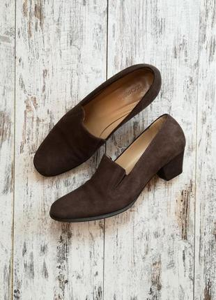 Замшевые винтажные туфли на низком каблуке италия