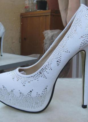 e57e956c3107 Свадебные туфли новые белые со стразами, киев, недорого, цена - 500 ...