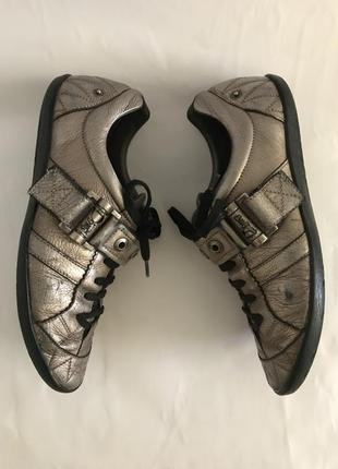 39-40р повседневные, спортивные туфли, кожа везде, бренд высокой моды