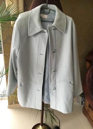 Пальто 80% шерсти нежно голубое