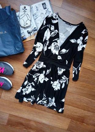 Платье на запах цветы boohoo