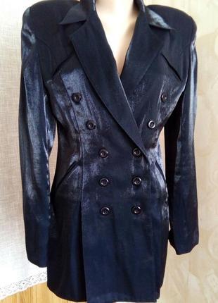 Длинный удлинённый пиджак, приталеный пиджак, пиджак - платье,двубортный пиджак.