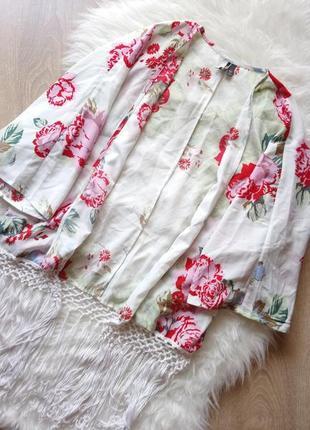 ▪ накидка topshop в цветы  , с бахромой