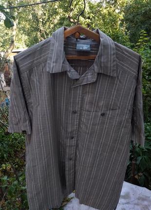 Серая коричневая полосатая спортивная рубашка salomon размер s