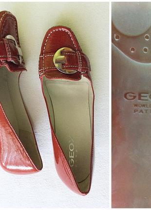 Geox красные кожаные лаковые туфли макасины на низком каблуке 38,5 - 39
