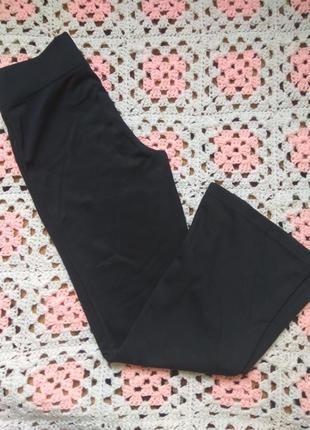 Спортивные штаны на девочку. george 8-9 можно в школу.