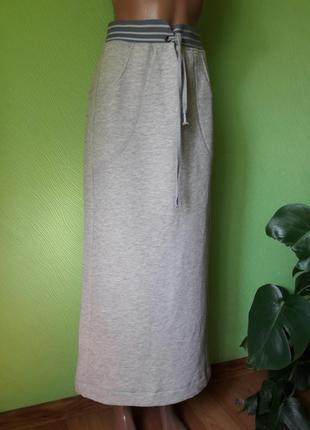 Трикотажная миланжевая юбка карандаш в спортивном стиле