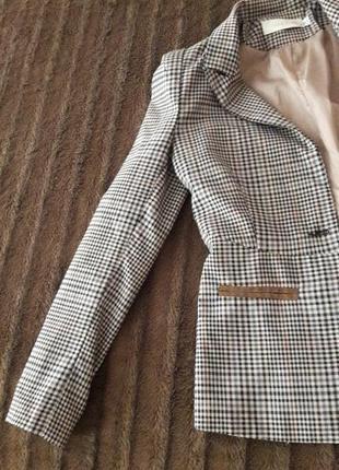 Пиджак в клеточку для девушки