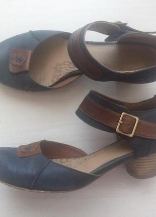 Синие кожаные туфли chester на низком каблуке