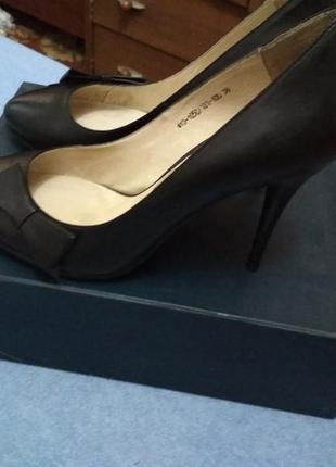Роскошные туфли braska 38 размер. кожа