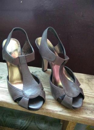 Босоножки на высоком каблуке, кожезаменитель