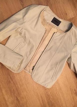 Стильная курточка из эко кожи