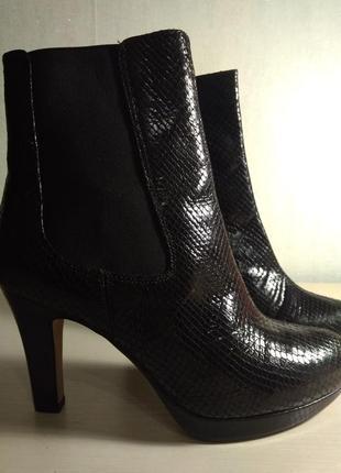 Ботинки clarks новые, натуральная кожа.