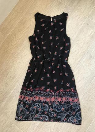 Женское красивое летнее платье в цветочный принт чёрного цвета, сарафан