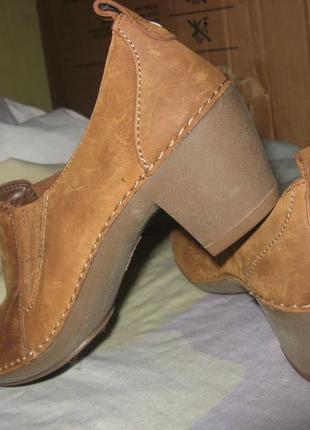 Туфли ботинки на каблуке платформа новые clarks оригинал кожа размер 38 по стельке 25 см