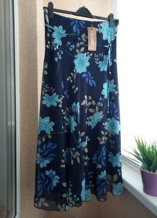 Легкая юбка миди в цветочный принт