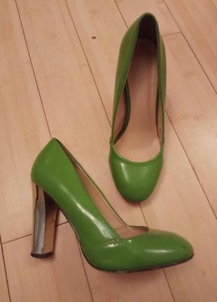 Салатові туфельки